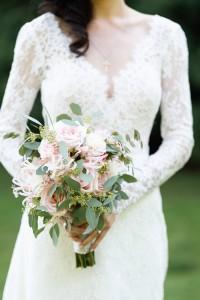 bruidsboeket ceremoniemeester Puur trouwen